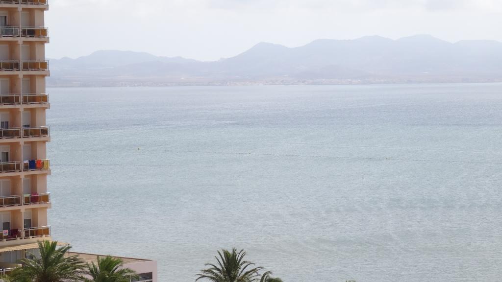 Une lagune de plus de 22km sépare l'isthme du continent
