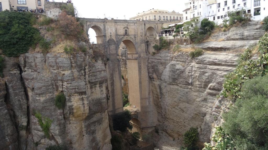 """Ponte """"Nuevo"""" à Ronda; fait au 18ième siècle"""