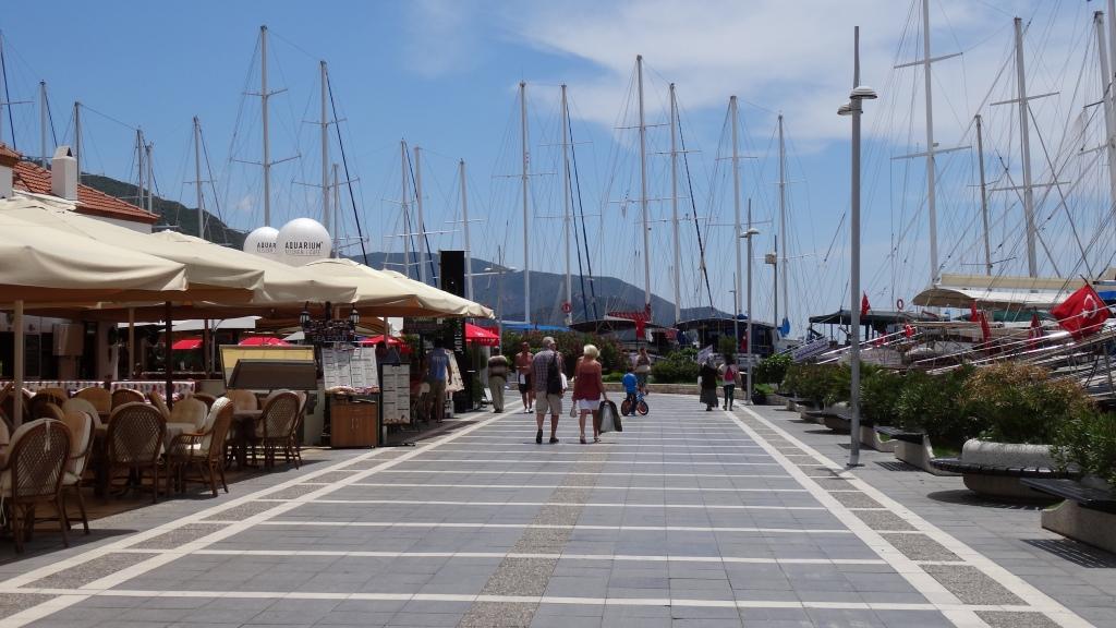 Magnifique promenade tout au long du port