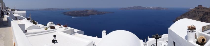 """Vue panoramique de la """"Caldeira"""" de l'Île de Santorini"""