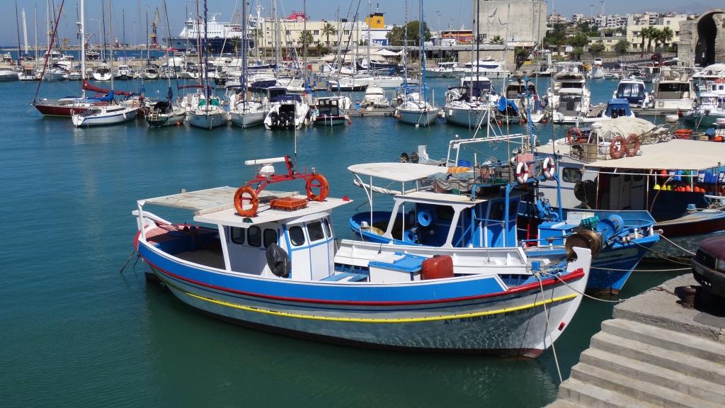 Chalutier de pêcheurs locaux