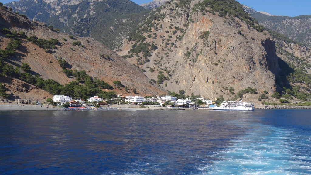 Fin du parcours, village de Agia Roumeli et retour à la route en bateau / End of the journey, Agia Roumeli Village and Return to the Road by Boat