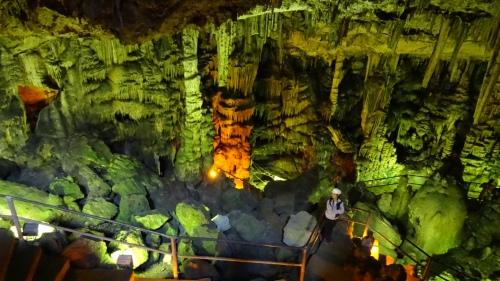 Grotte de Dicté sur la Plateau de Lassithi / Dicti Cave on the Lassithi Plateau