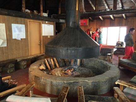 Foyer d'après-ski / Ski Chalet Fireplace