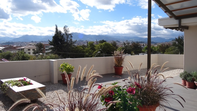Grande terrasse avec vue imprenable sur la Cordillère des Andes / Lage size patio with View on the Andes