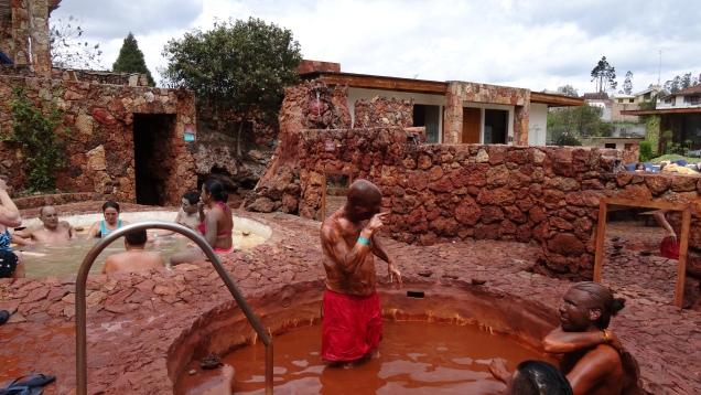 Bain exfoliant de boue rouge / Exfoliative Red Mud Bath