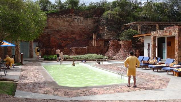 Piscine d'eau tiède / Warm Water Pool