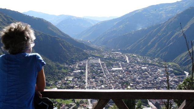 """Baños vue de Café El Cielo / Baños Viewed from the """"Café El Cielo"""""""