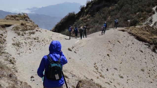 Rencontre avec un groupe de randonneurs / Trekking Group