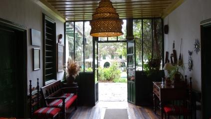 L'entrée de l'auberge / Inn Lobby