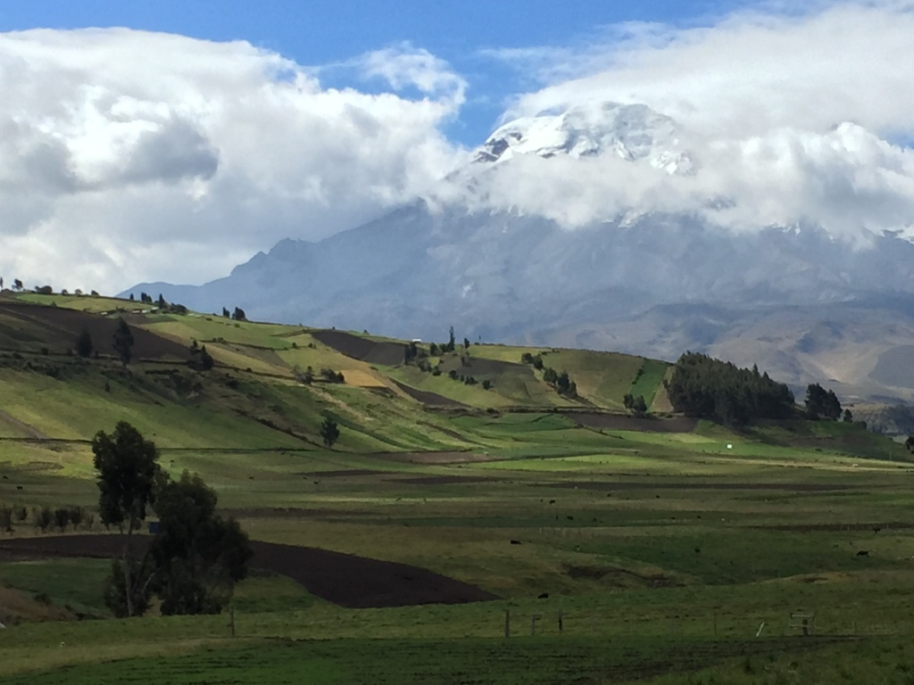 """Le """"Chimborazo"""", le volcan le plus élevé du pays / The """"Chimborazo"""", the highest Volcano in the country"""