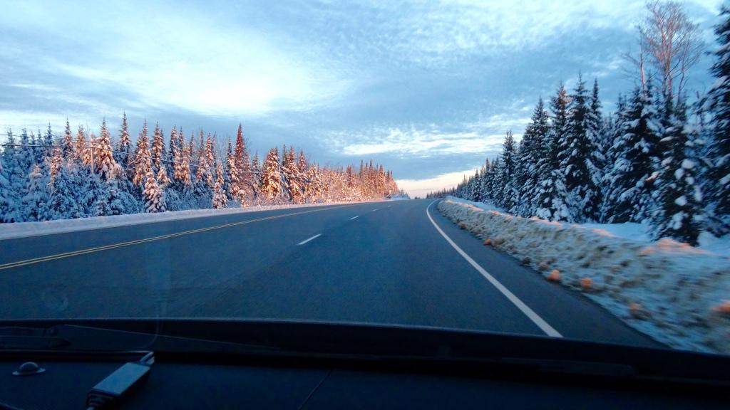 Un matin tôt dans le nord de l'Ontario, près du Lac Supérieur