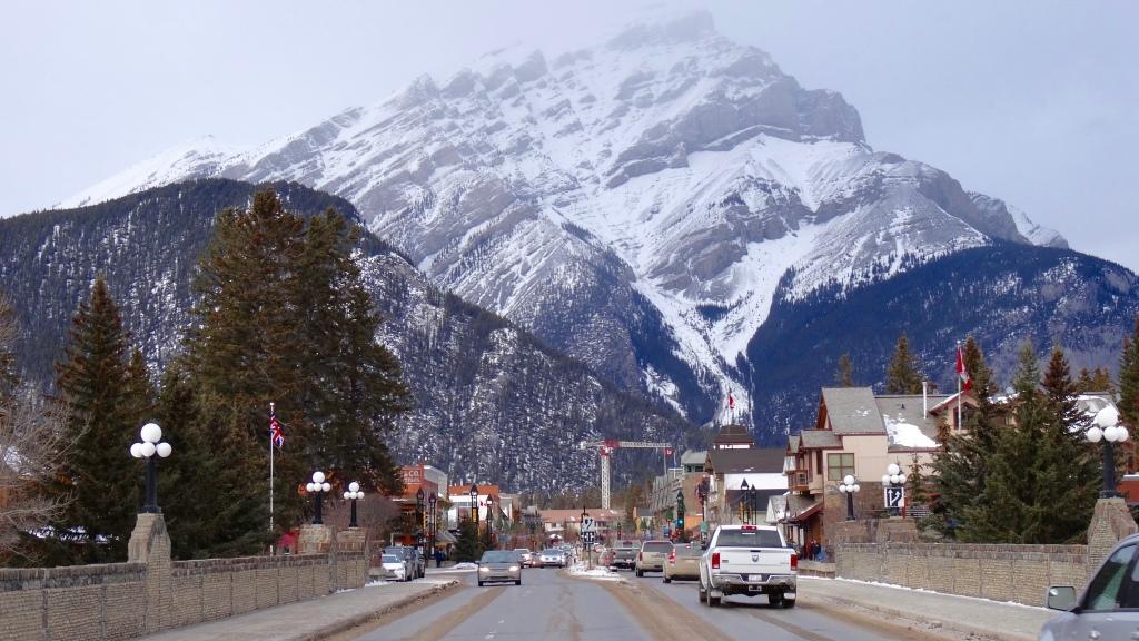 Classic Banff Main Street Pic